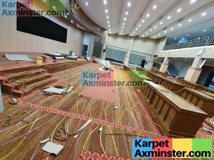 Finishing Pemasangan Karpet Axminster DPRD Madiun