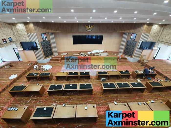 Karpet Axminster Ruang Paripurna DPRD Madiun Terpasang