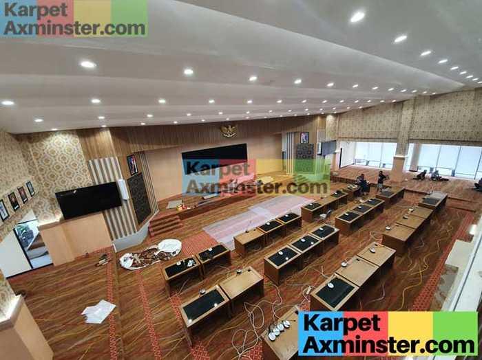 Pemasangan Karpet Ruang Rapat Madiun DPRD Kota