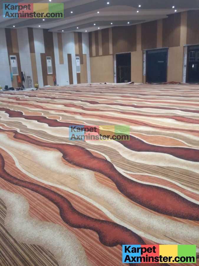 proses pasang karpet axminster hotel pekalongan nirwana